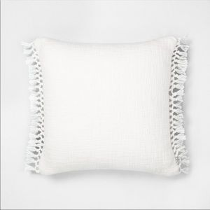 Hearth and hand throw pillow